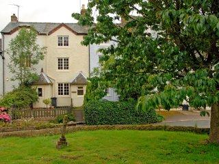 PK739 Cottage in Ashbourne