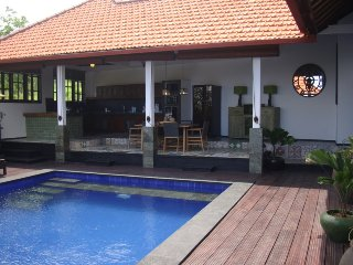 Villa Bukit Malas 3 - 3 Bedroom private villa with pool, seaview and breakfast