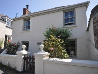 TREAT Cottage in Tintagel