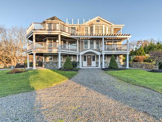 NEW! 4BR Jamestown Home w/ 2 Decks & Bay Views!