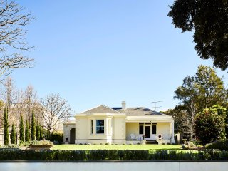 Clydesville Queenscliff - luxury, grandeur and comfort
