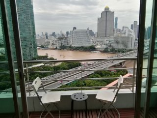 Riverview 3 bedroom condo Bangkok 140 m2!
