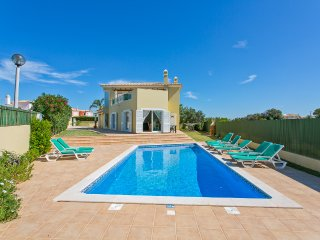 4 Bedroom villa with private pool with Air Con/ pool heating(Optional)