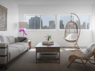 Designer Little Italy Loft: Prive Rooftop/Parking
