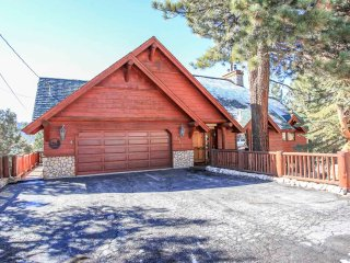 ~Heavens View~Elite Log Home Estate~Furnished & Equipped~