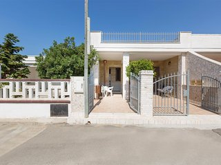 934 Holiday home 100 meters away from  the beach of Torre Lapillo