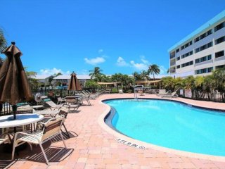 UPDATED WOWER,Spacious,Beach,Fishing Pier, Pools,Tennis,Ocean View,FREE Wi-Fi