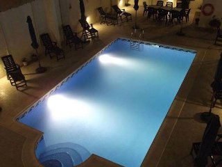 Qronfli Holiday Accommodation With Pool