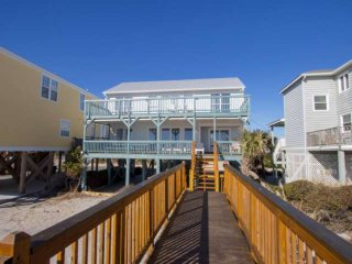 Sandy Bay, Oceanfront 4 Bedroom House with Free Water Park, Aquarium, Golf & Mor