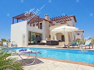 Cyprus Holiday Villa INGRID Profile