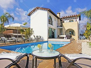 Cyprus Holiday Villa REGINA Profile