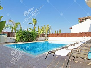Cyprus Holiday Villa AGNES Profile