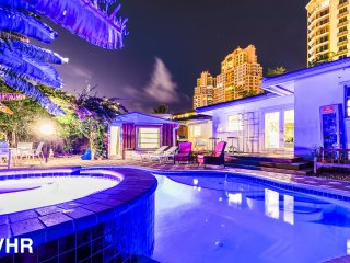 Ocean Paradise: 5 Min Walk to Beaches: Heated Pool/Hot Tub. 2 Miles To Las Olas.