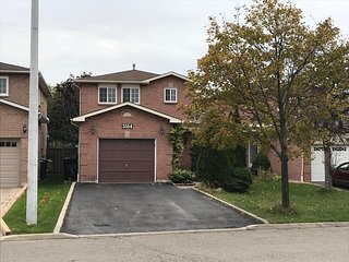 3 Bedroom Executive home in Central Mississauga/Toronto