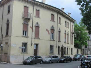 Oliva historical centre flat by 'Arena' brand-new - modern/antique furnished