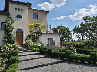 LA VALIANA Luxury Villa Rental (Montepulciano) - HEATED POOL Incl./ FREE WI-FI