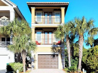 After Dune Delight - Elevator Beautiful 5 Bedrooms Located in Destiny by the sea