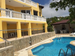 Sea View Villa with Swimming pool, Aircon & WiFi & Jacuzzi