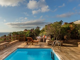 Villa Beatrice with private pool and solarium with sea view