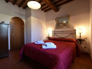 Fattoria Castello di Starda Romantic Apartment, Pool View