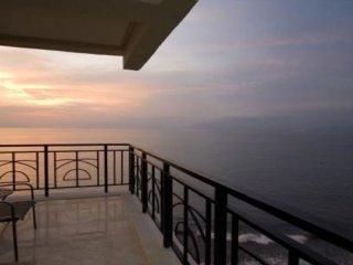 AMAZING OCEAN VIEWS AT MOLINO DE AGUA