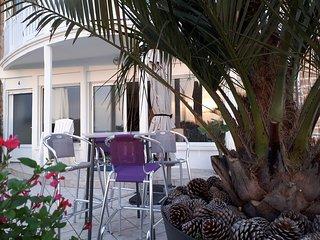 Appartement terrasse esprit loft de 60m2 superbe vue sur mer à 100 m de la plage