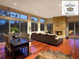 Bluecliff Retreat - Award Winning House