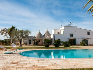 Trulli with Private Pool in Puglia for 8 people