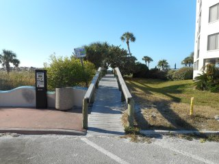 Nice St Pete Beach Condo steps from beach and near restaurants