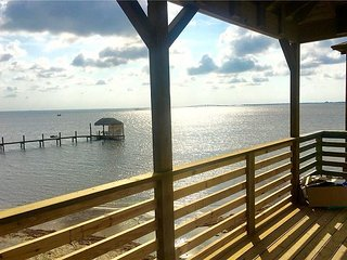 Brand New 2/2! Private fishing pier and Marina! Pool! AMAZING Views!