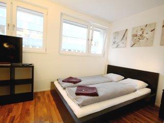 ZH Badenerstrasse II - HITrental Apartment Zurich