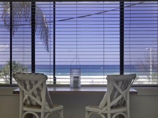 Poppy's by the Beach - Bilinga / North Kirra Beachfront and min. 3 night stays!