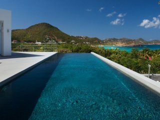 Villa Avenstar  | Ocean View :: Located in  Wonderful Camaruche with Private Poo