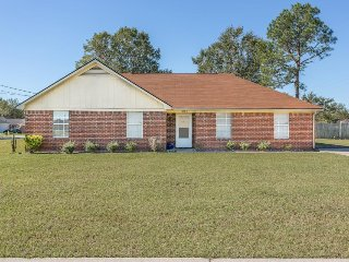 Dog-friendly ranch home w/ a large yard, modern comforts, 30 miles from coast!