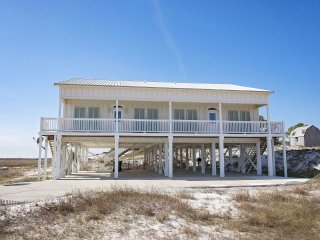 8 BR ~ Sleeps 16 ~ Gated  ~ Pool/Beach Access ~ Gulf Views ~ All Tile ~ Sandy Fe