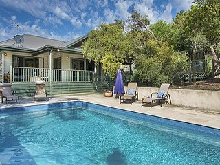 Poolside Sorrento - Family Friendly with Heated  Swimming Pool