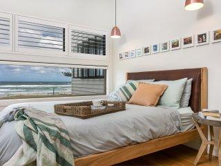 Lennoxhaus 4B - Luxury On Seven Mile Beach!