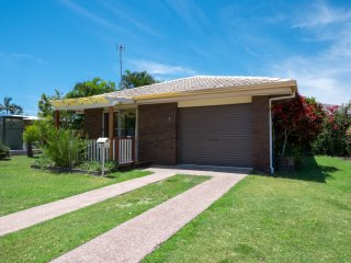 Wavell Court 1, 24 Churchill Street, Golden Beach