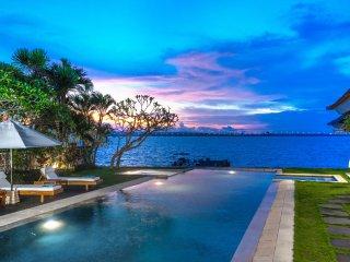 Luxury Water Front 3 Bedroom Villa