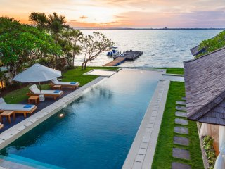 Luxury Water Front 3 Bedroom Villa