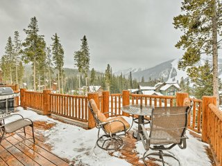 Winter Park Home w/Ski Hill Views, Sauna & Hot Tub