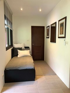 Small bedroom with ensuite that is suitable for teenages