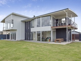 The Beach House - 3A Tahiti Terrace