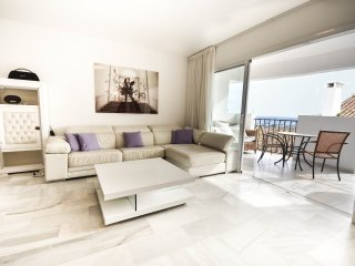 Luxurious, air-conditioned 2 bed 2 Bath duplex apartment right in Puerto Banus