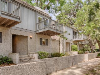 Elegant resort townhouse w/ shared pool, private deck & on-site golfing!