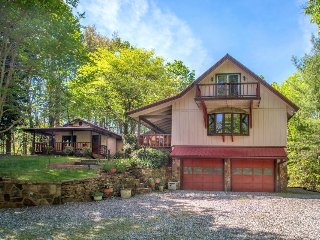 Secluded woodland cabin surrounded by stunning natural beauty!