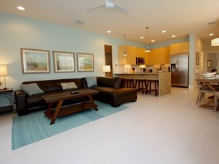 17425PA. Disney Area 3 Bed 3 Bath Townhome with Splash Pool