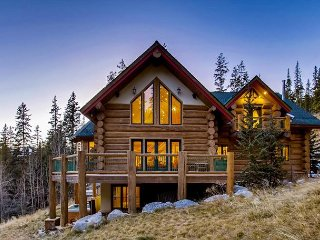 Enjoy Privacy and Great Amenities in the Ultimate Colorado Mountain Lodge!