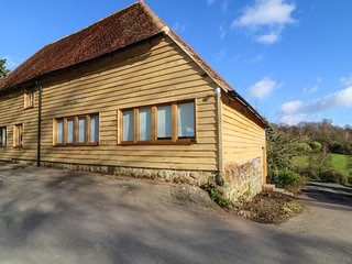 APPLE BOUGH, period features, exposed beams, pet-friendly, shared swimming pool,