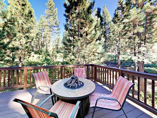 Luxe New 4BR House in South Lake Tahoe w/ Private Hot Tub